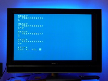PAL Atari 800XL PEEKs to important addresses